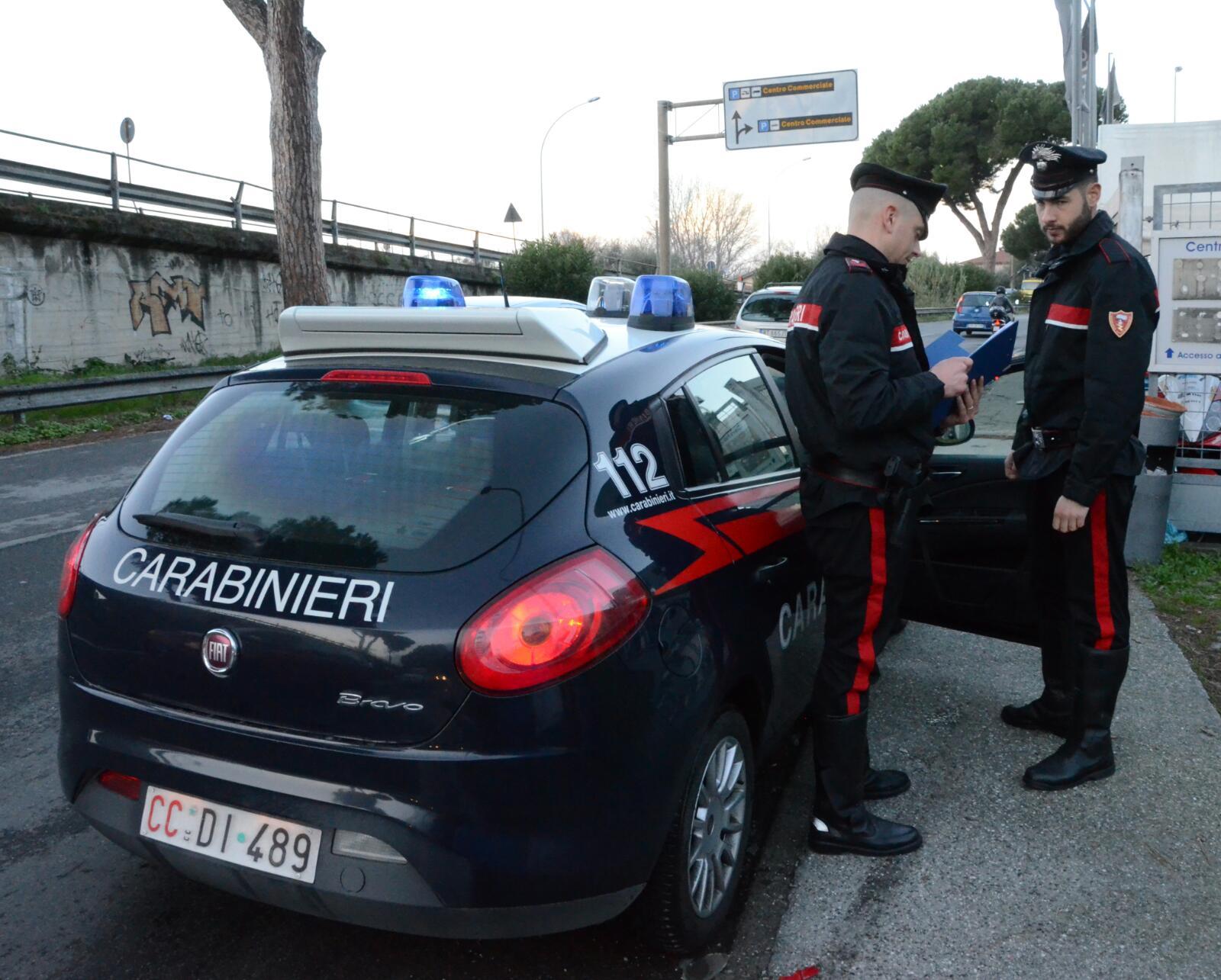 Scovato dai Carabinieri un box con cocaina e attrezzatura per coltivare canapa