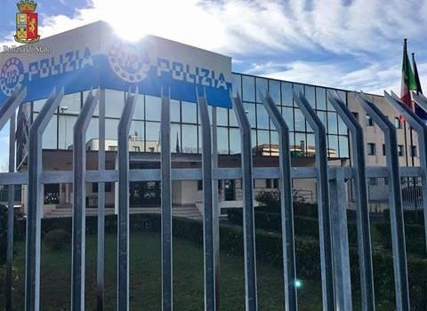 Il Commissariato di Polizia di Viareggio mette fine alla persecuzione: arrestato stalker