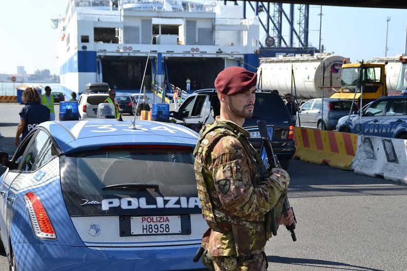 La droga viaggia in nave, sequestrati 300 kg di cocaina nel porto di Livorno