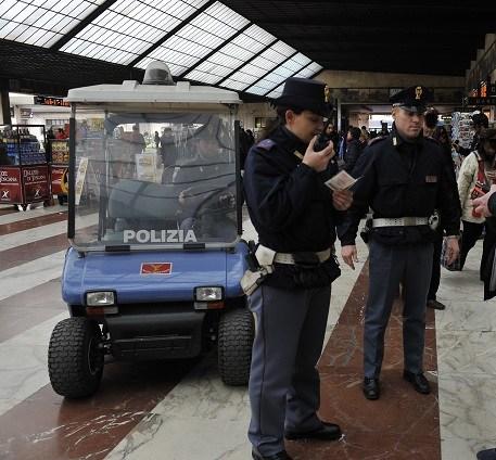 Ponti di Primavera: controlli a tappeto della Polizia di Stato nelle stazioni ferroviarie toscane