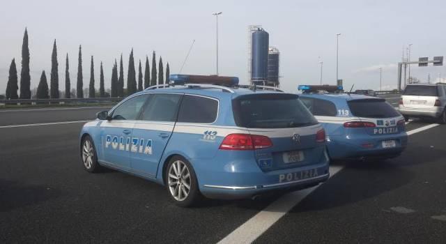 Manomette la centralina dei gas di scarico, tir bulgaro fermato a Viareggio