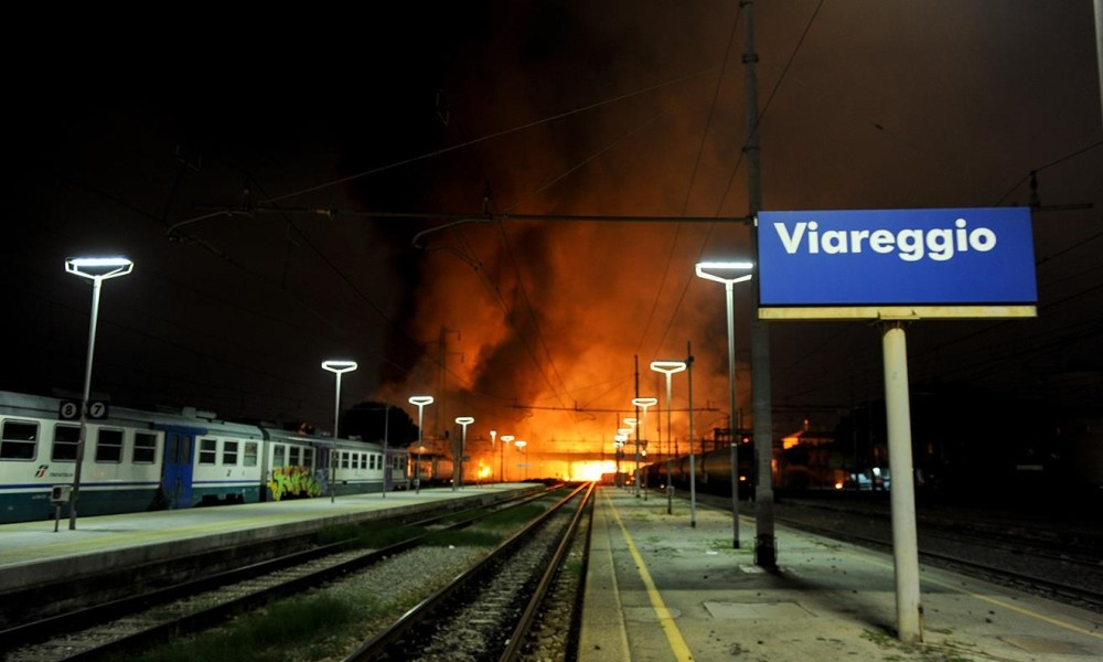 """Strage di Viareggio, i parenti delle vittime dopo la sentenza: """"Rinuncino alla Cassazione"""""""