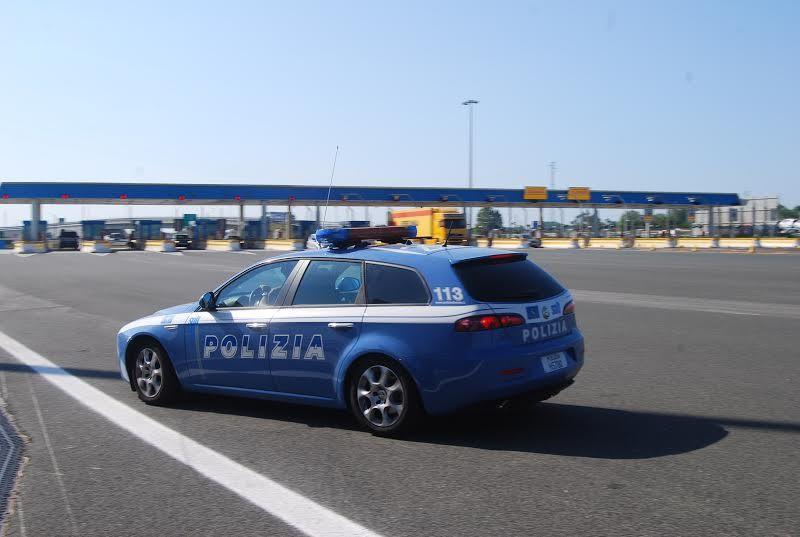 La Polstrada di Massa Carrara ritrova la 19enne scomparsa sull'A15