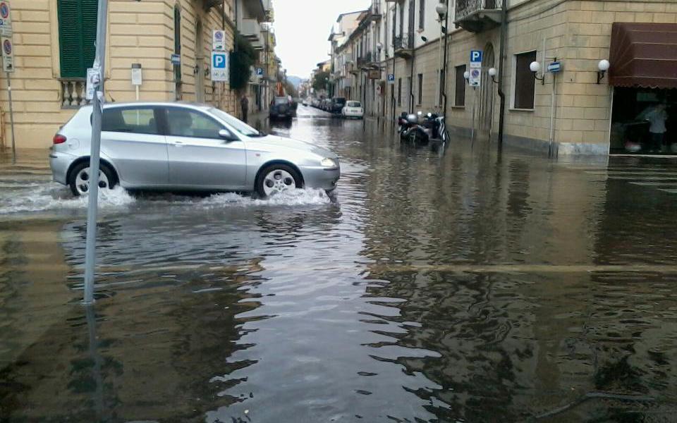 Danni da maltempo a Viareggio, le domande per il risarcimento entro il 14 dicembre