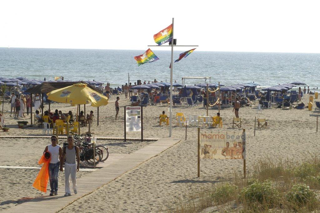 """No spiaggia gay atto 2°, il Mama Beach replica al Comune: """"Quante non verità e imprecisioni"""""""