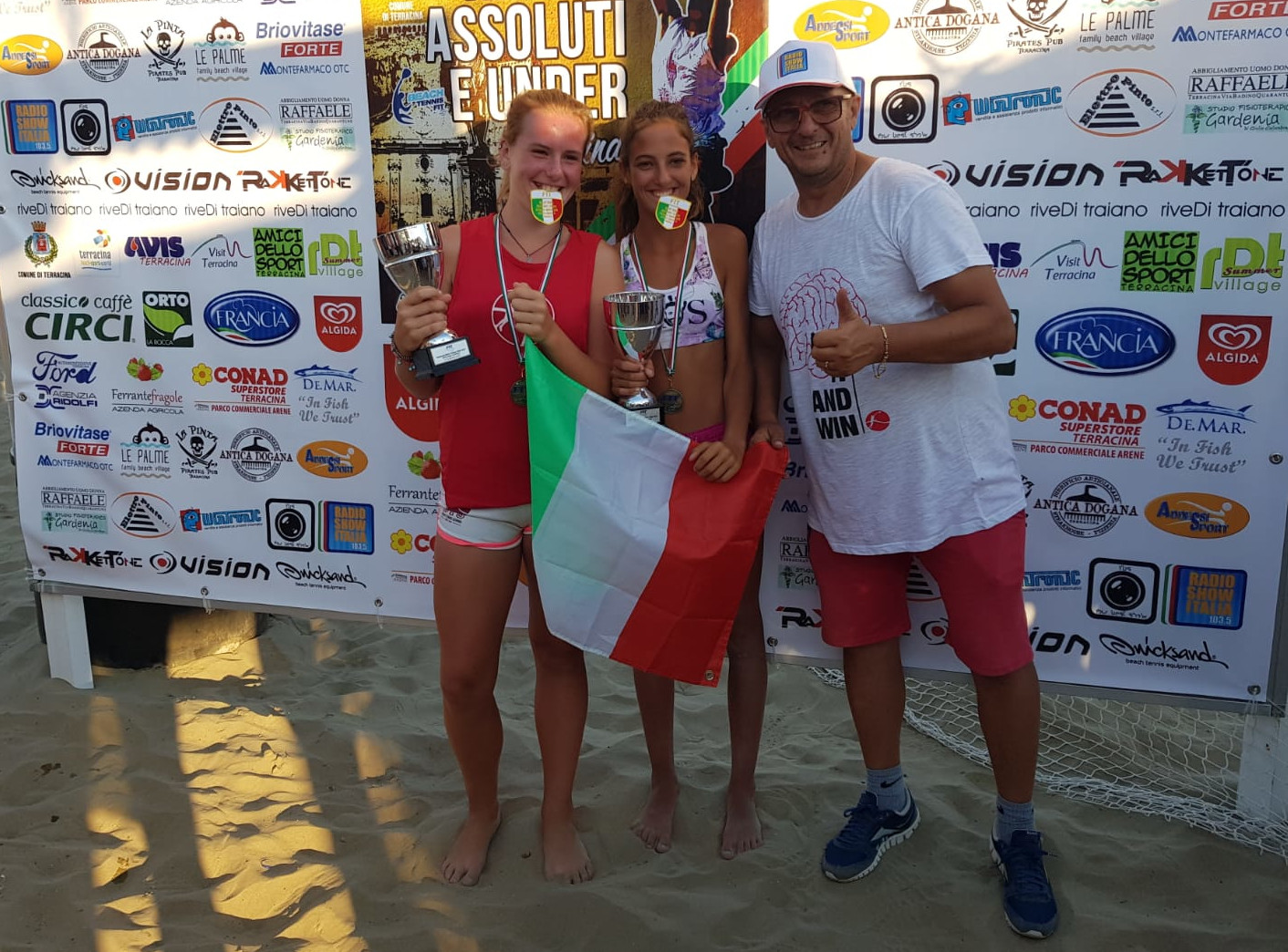 Beach tennis, tris italiano per i giovani Bad Players