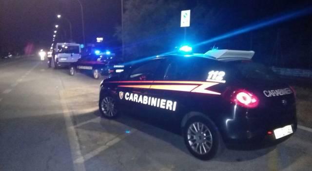Con 10 dosi di cocaina tenta la fuga, preso dai Carabinieri