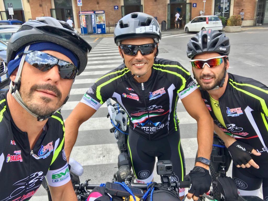 Carabinieri ciclisti: 50 ore di pedalata