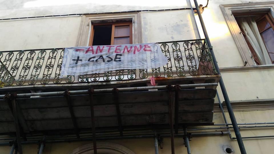"""""""Meno Antenne Più case"""""""