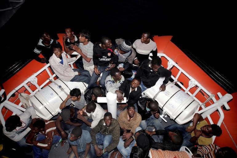 """""""Porti aperti per i migranti, mai più morti in mare"""""""