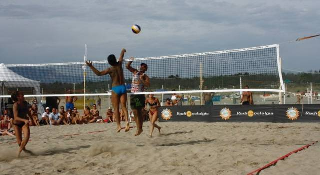 """Beach Volley, la carica del """"Giurlani"""" a Torre del Lago"""