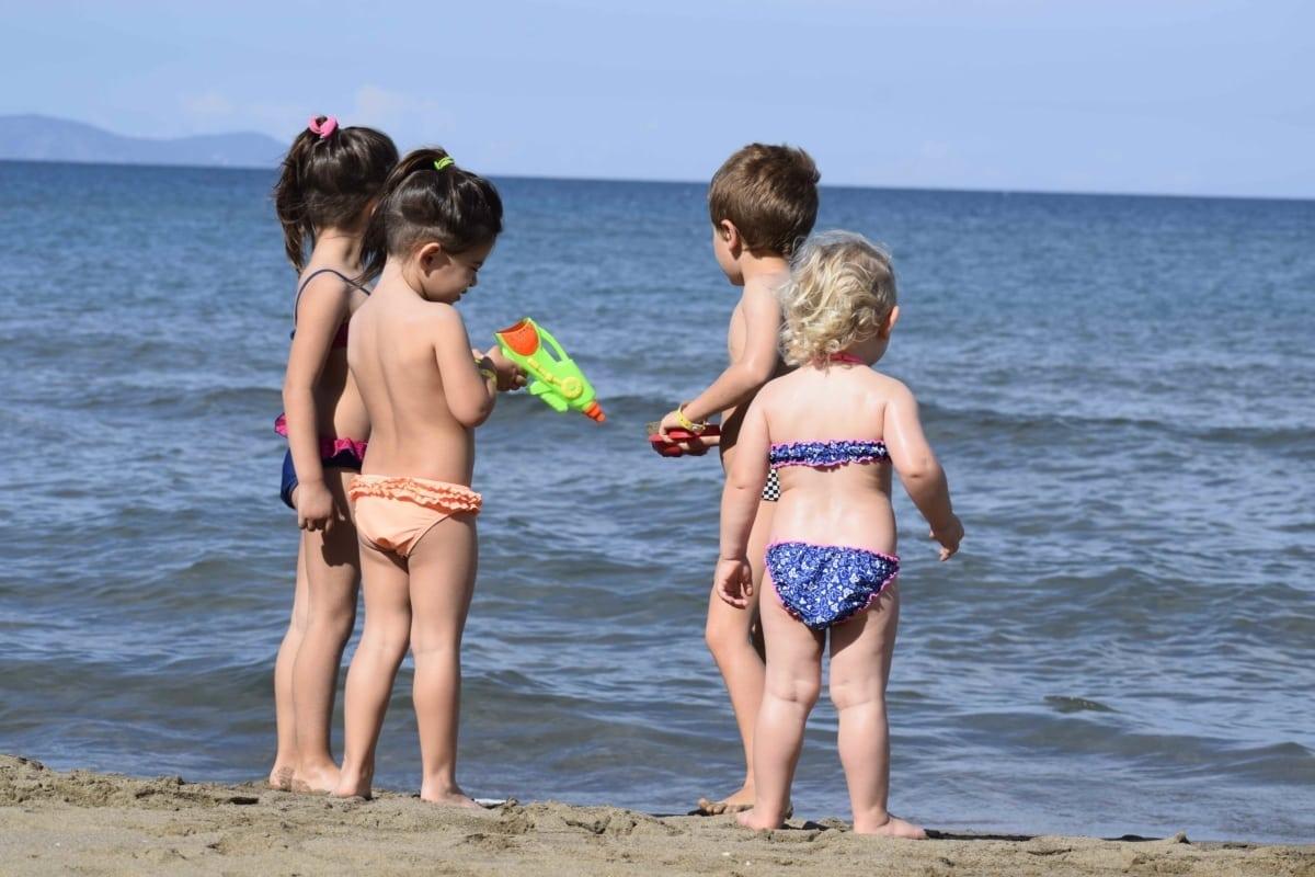 DoveVado - Albinia bambini in spiaggia