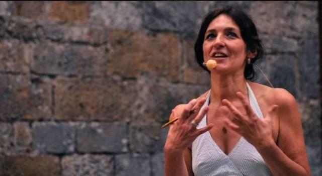 """""""Piccolo come le stelle"""", a Montignoso lo spettacolo di Elisabetta Salvatori"""
