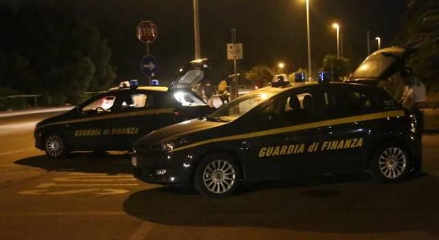 Blitz della GdF in un locale notturno della Garfagnana, trovati 11 lavoratori in nero 14 irregolari