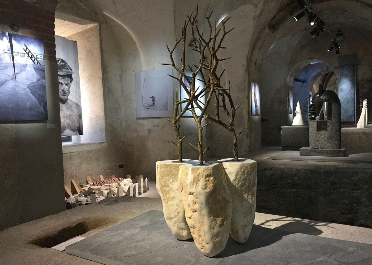 Le cave di marmo come opere d'arte: prosegue l'esposizione alla galleria della Fondazione Arkad a Seravezza