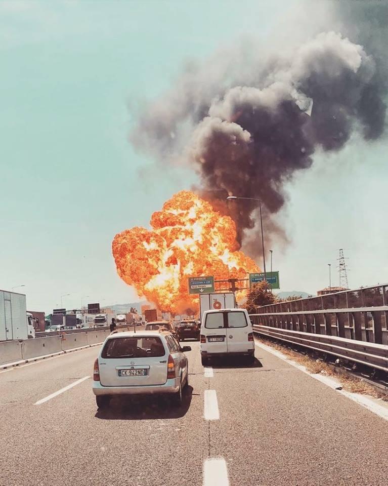 Inferno di fuoco a Bologna, condoglianze dai familiari delle vittime della strage di Viareggio
