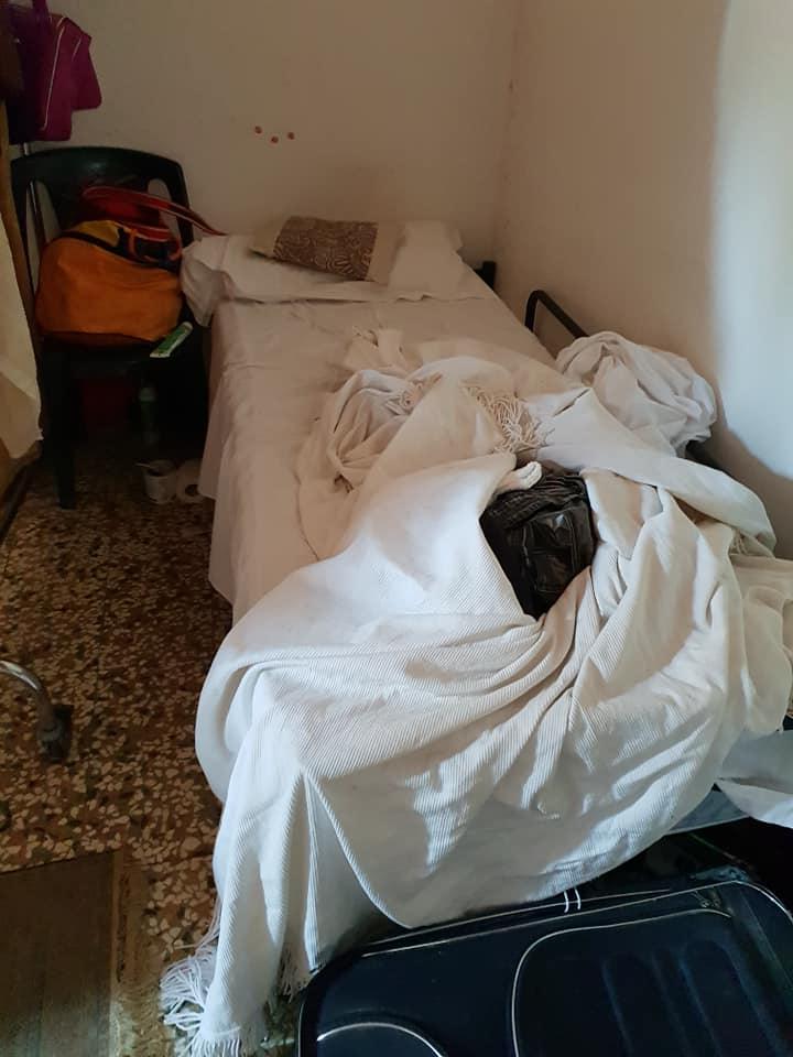 """Anche i topi morti al centro migranti, il sindaco: """"Per stare così, potevano restare in Africa"""""""