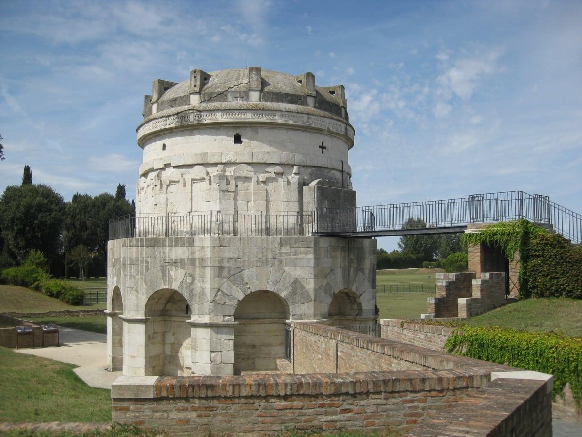ravenna -mausoleo di teodorico
