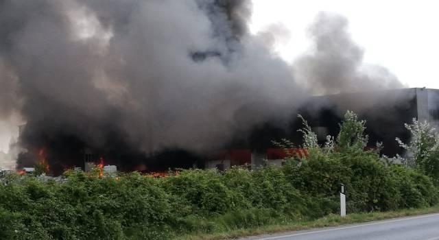 Incendio a Pietrasanta, i ringraziamenti dell'Unione dei Comuni