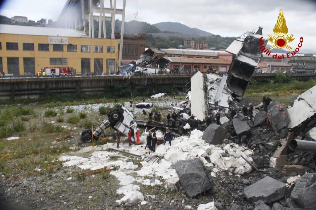 """""""I miei genitori sono vivi e stanno bene, un miracolo nel disastroso crollo del ponte di Genova"""""""