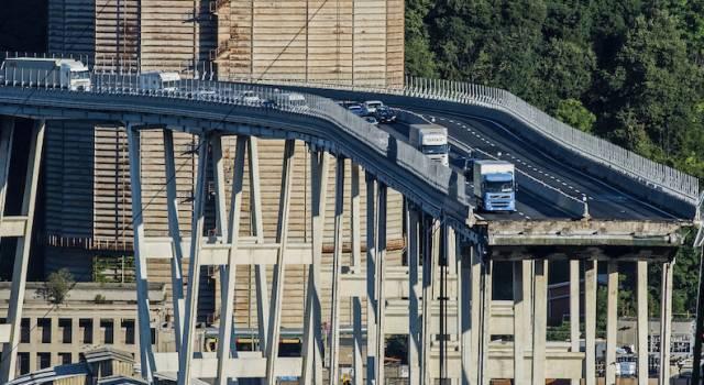 Crollo del ponte a Genova, perquisizioni della GdF anche nella sede toscana di Autostrade