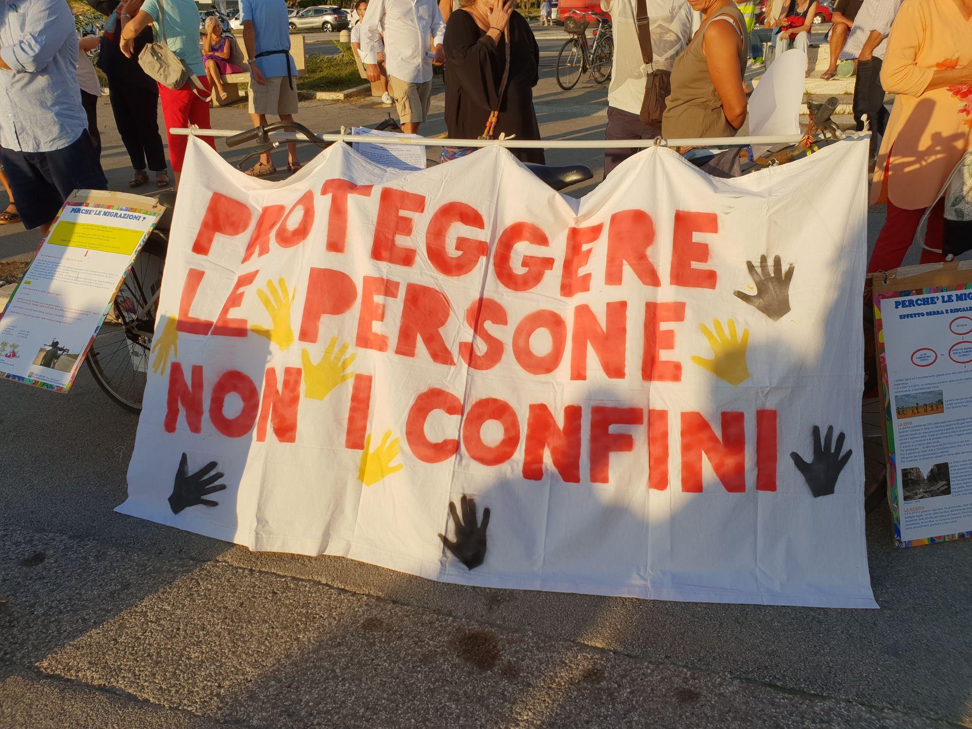 Presidio antirazzista in Piazza Mazzini
