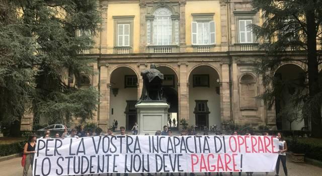Paladini-Civitali: Gli studenti protestano davanti la Provincia