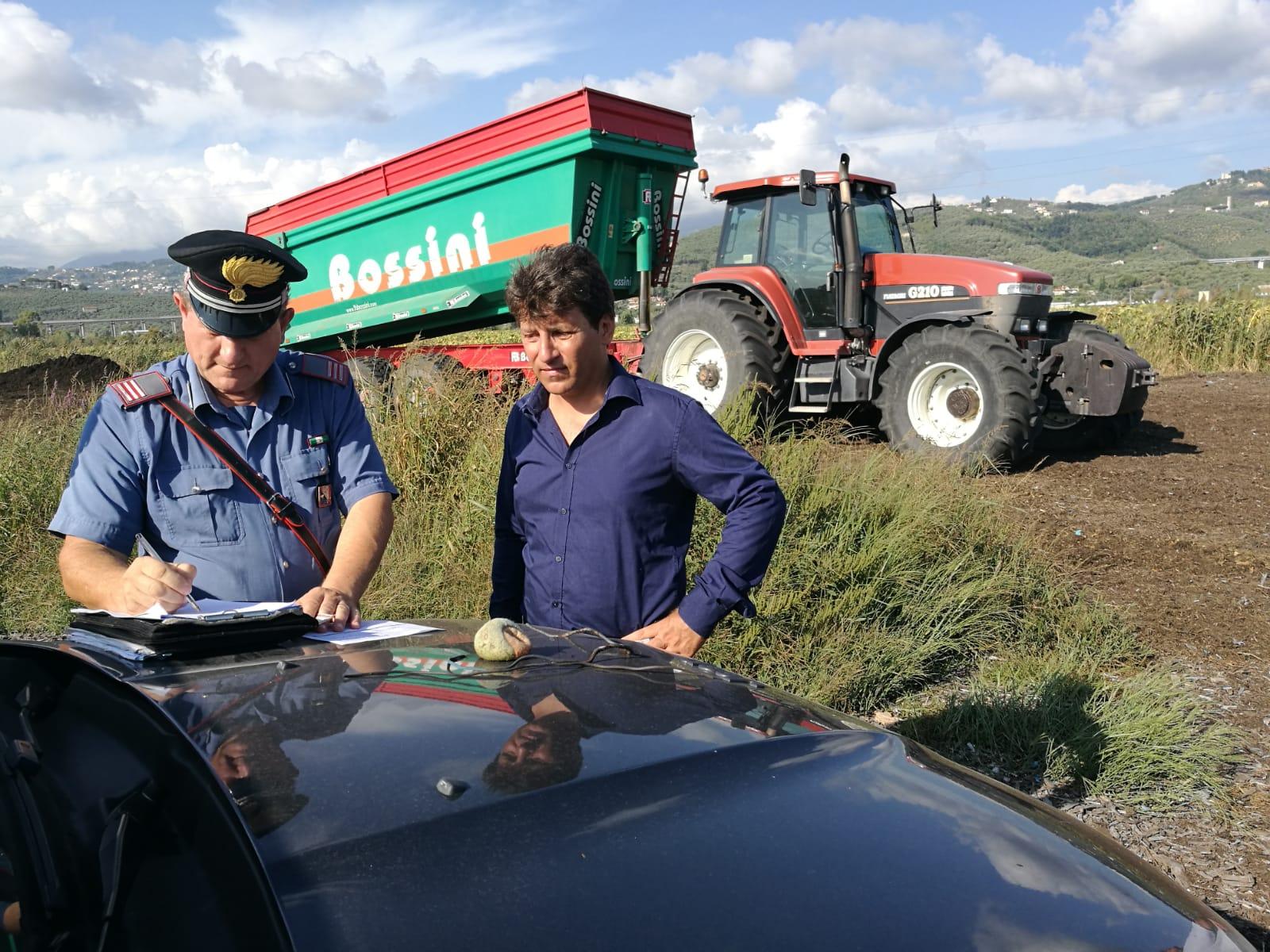 Torba in fiamme e danno ambientale, il senatore Ferrara chiama i Carabinieri e fa esposto: trovati cumuli di pattume