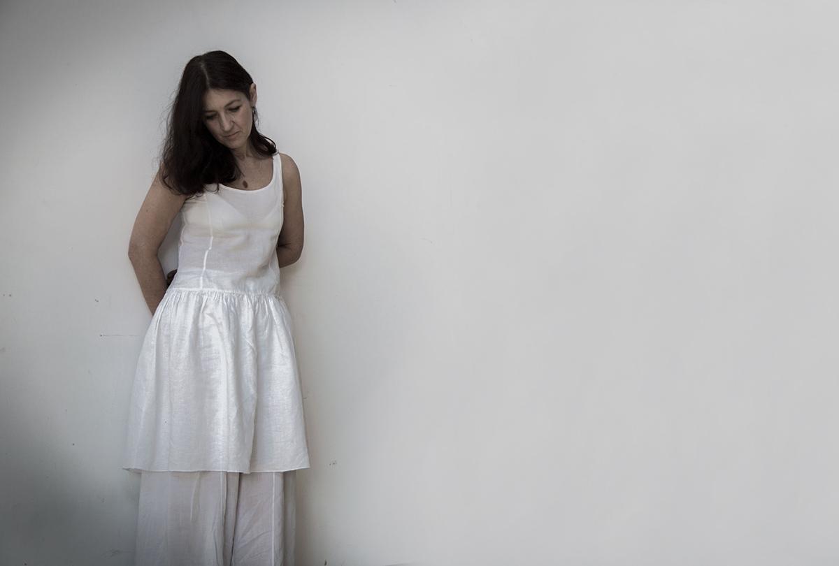 """""""La bimba che aspetta"""": il monologo di Elisabetta Salvatori chiude la mostra-evento """"Cava"""""""