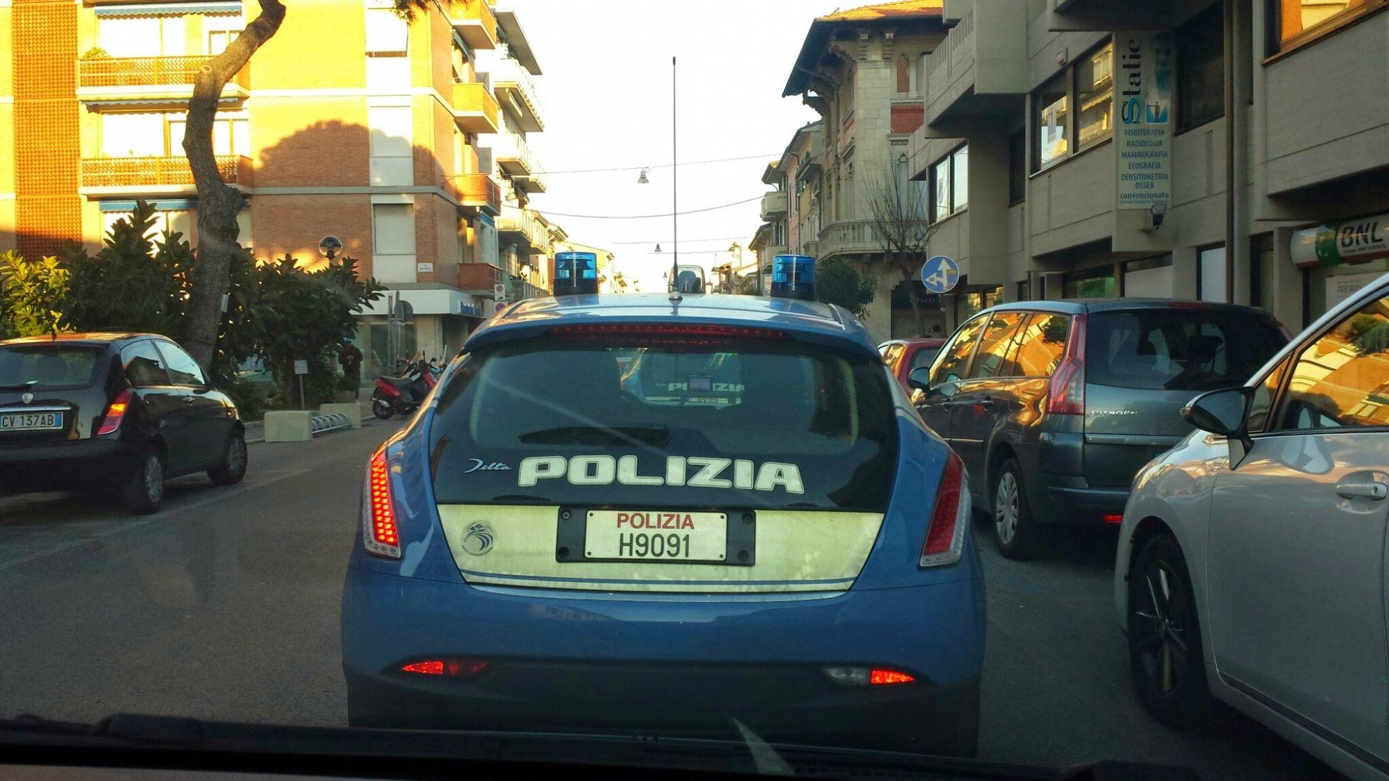 """La Lega: """"Basta dire che a Viareggio non c'è mafia e non ci sono delinquenti"""""""