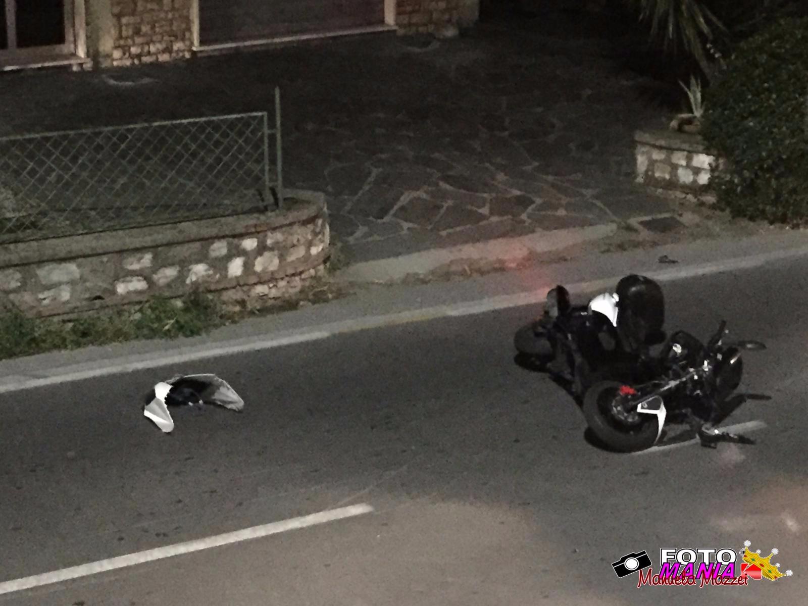 Scontro auto – scooter all'alba sulla Sarzanese