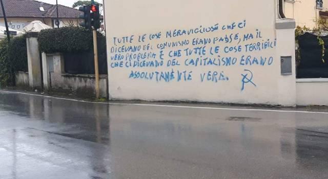 Scrive sui muri con lo spray, denunciato
