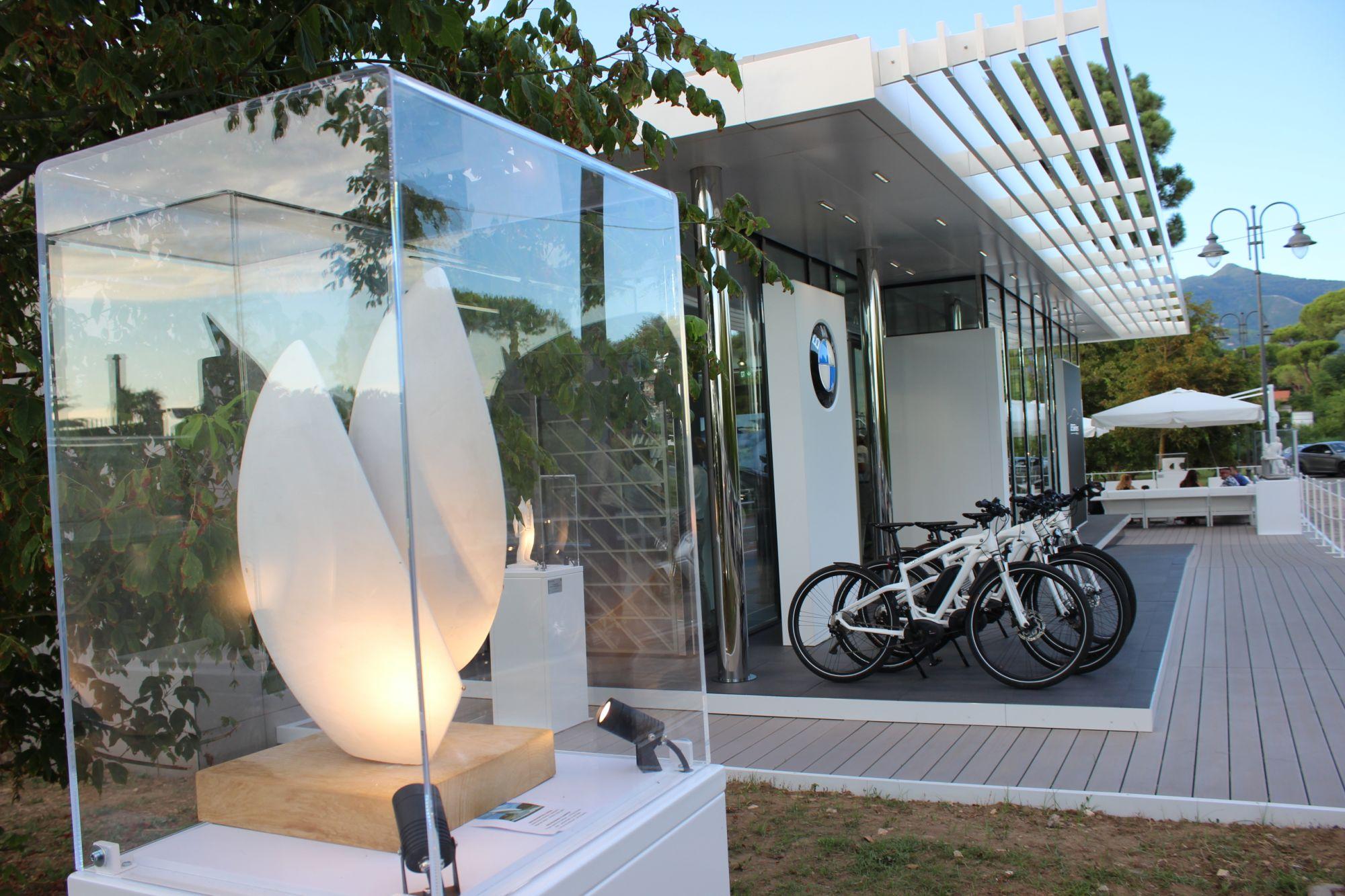Arte: BMW Italia sponsor tecnico del Museo di Pietrasanta, nuove teche per i bozzetti