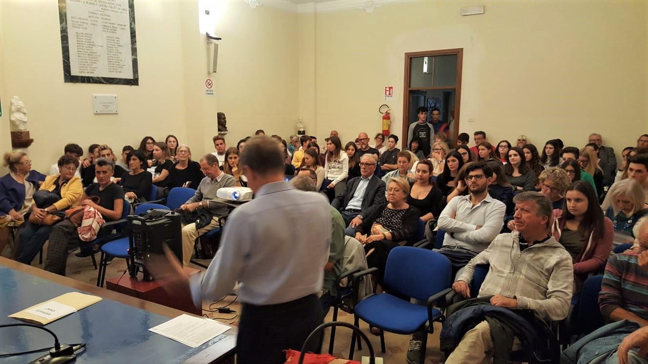 """Oltre cinquanta studenti al primo incontro sul """"Sessantotto"""""""