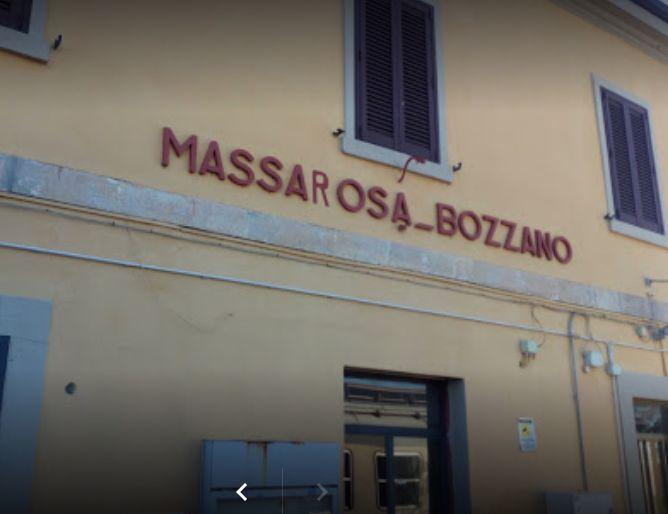 Blitz alla stazione di Bozzano, sgomberato immobile occupato