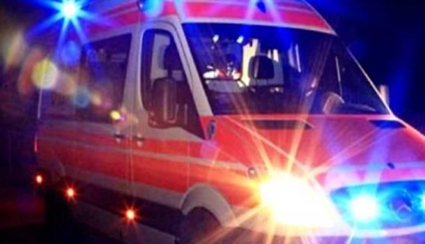 Scontro nella notte a Tonfano, 5 feriti: uno è grave a Cisanello
