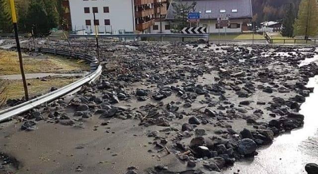 Emergenza Veneto: la colonna mobile toscana impegnata a liberare strade, parcheggi, scuole