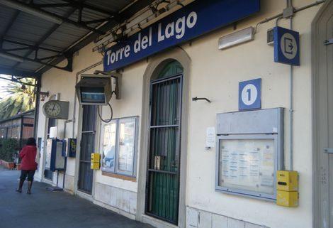 Controlli antidroga alla stazione di Torre del Lago, arrestato pusher tunisino