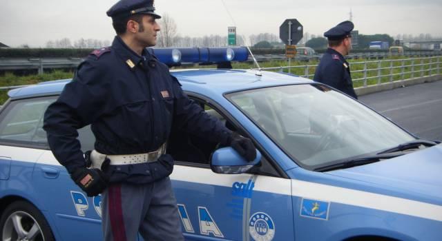 Stretta su chi guida con il telefono in mane, altri 20 automobilisti nei guai