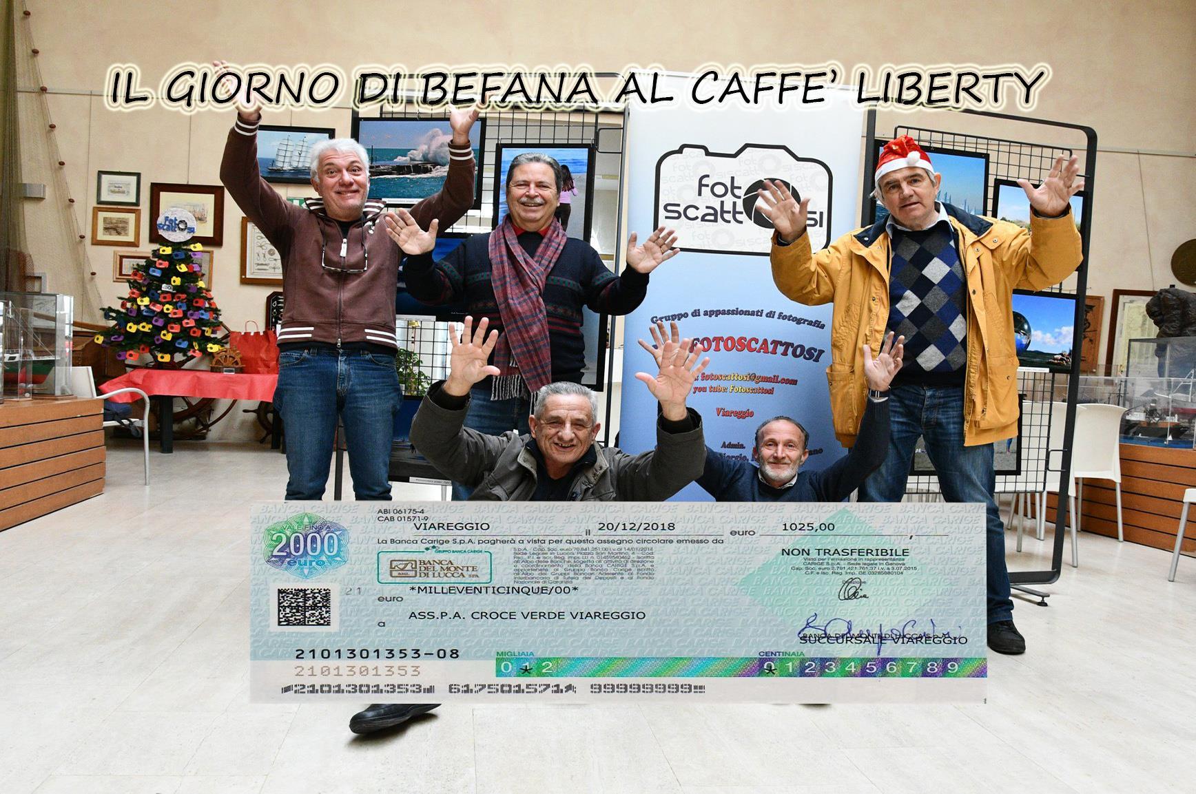 Regalo di Befana, i Fotoscattosi consegnano alla Croce Verde di Viareggio 1025 euro