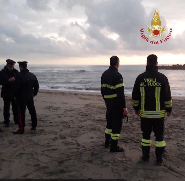Cadavere in spiaggia:  è il 21enne disperso in Arno