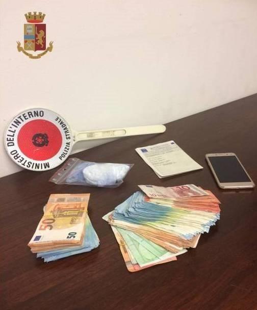 In A/12 con un carico di cocaina da piazzare in Versilia: arrestato dalla Polstrada