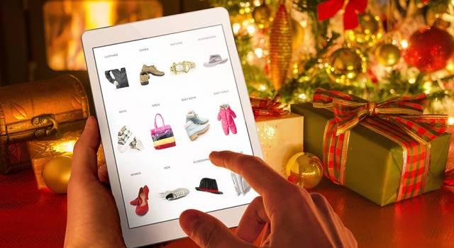 Shopping natalizio on line, scende in campo la Polizia Postale: ecco il vademecum con i consigli