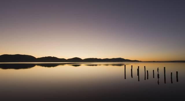 L'alba sul lago
