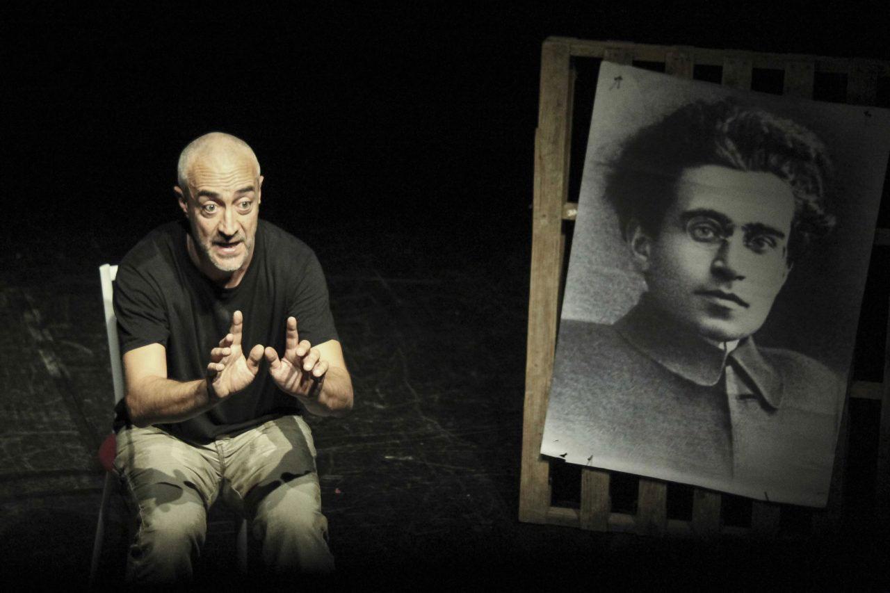 Ecco Gramsci a teatro alle Scuderie Granducali