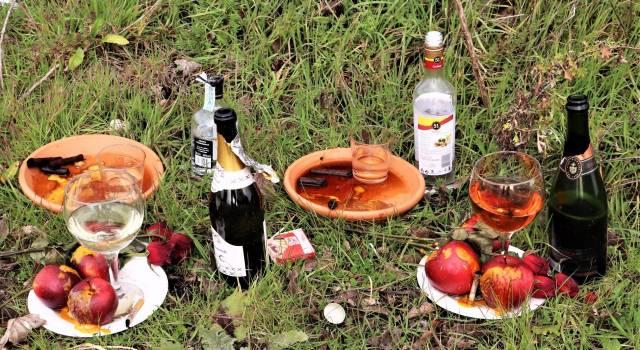 Bottiglie, frutta, bicchieri, fiammiferi e sigari: è un rito afrobrasiliano