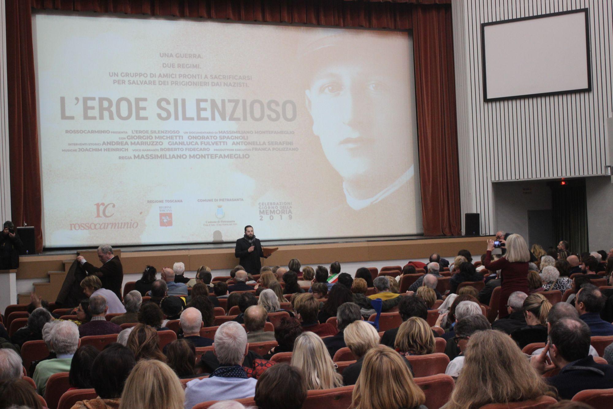 Giorno della Memoria: il diario di Anna Frank per il consiglio straordinario degli studenti