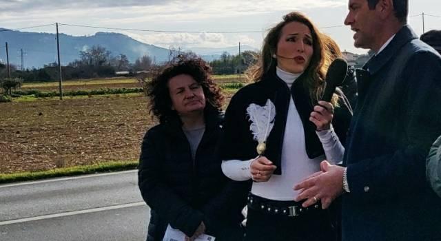 Mazzoni chiama Striscia la Notizia per l'autovelox di Pietrasanta