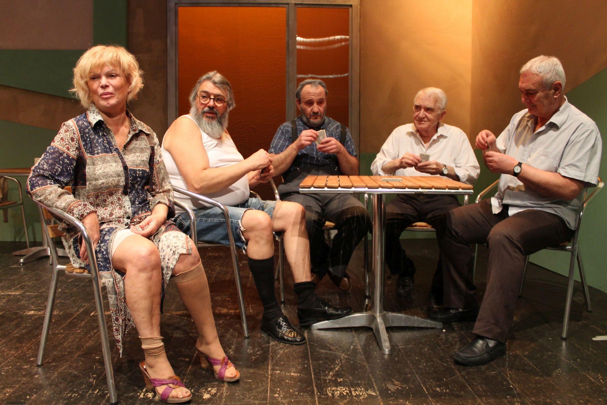 """Tra comicità e suspense: """"La briscola in cinque""""  arriva al Teatro Jenco di Viareggio"""