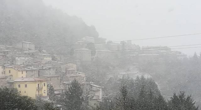 Neve in Versilia, ecco Gombitelli imbiancata